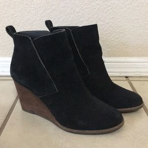 Suede booties Lucky Brand